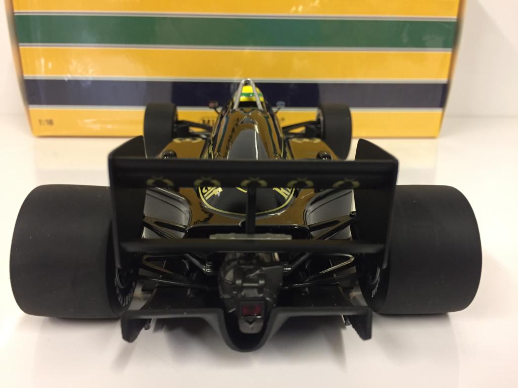 MINICHAMPS-540851812-Lotus-Renault-97t-Ayrton-Senna-1985-Escala-1-18